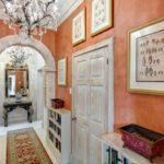 Венецианская штукатурка в коридоре