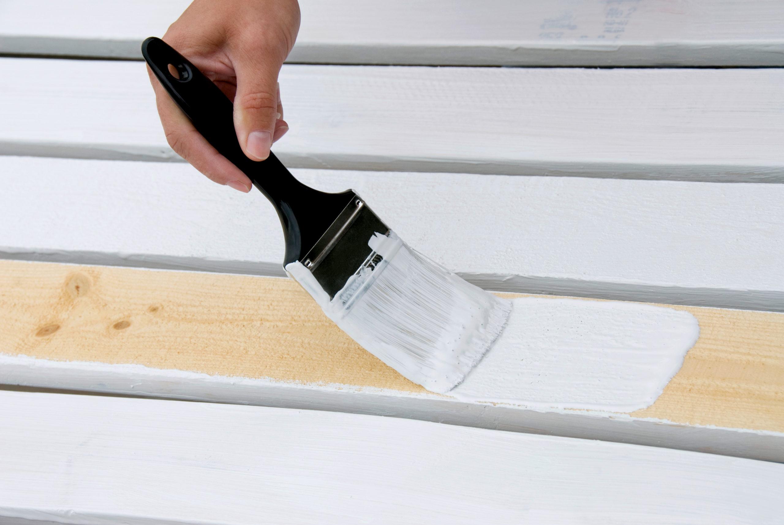 Белая краска для дерева