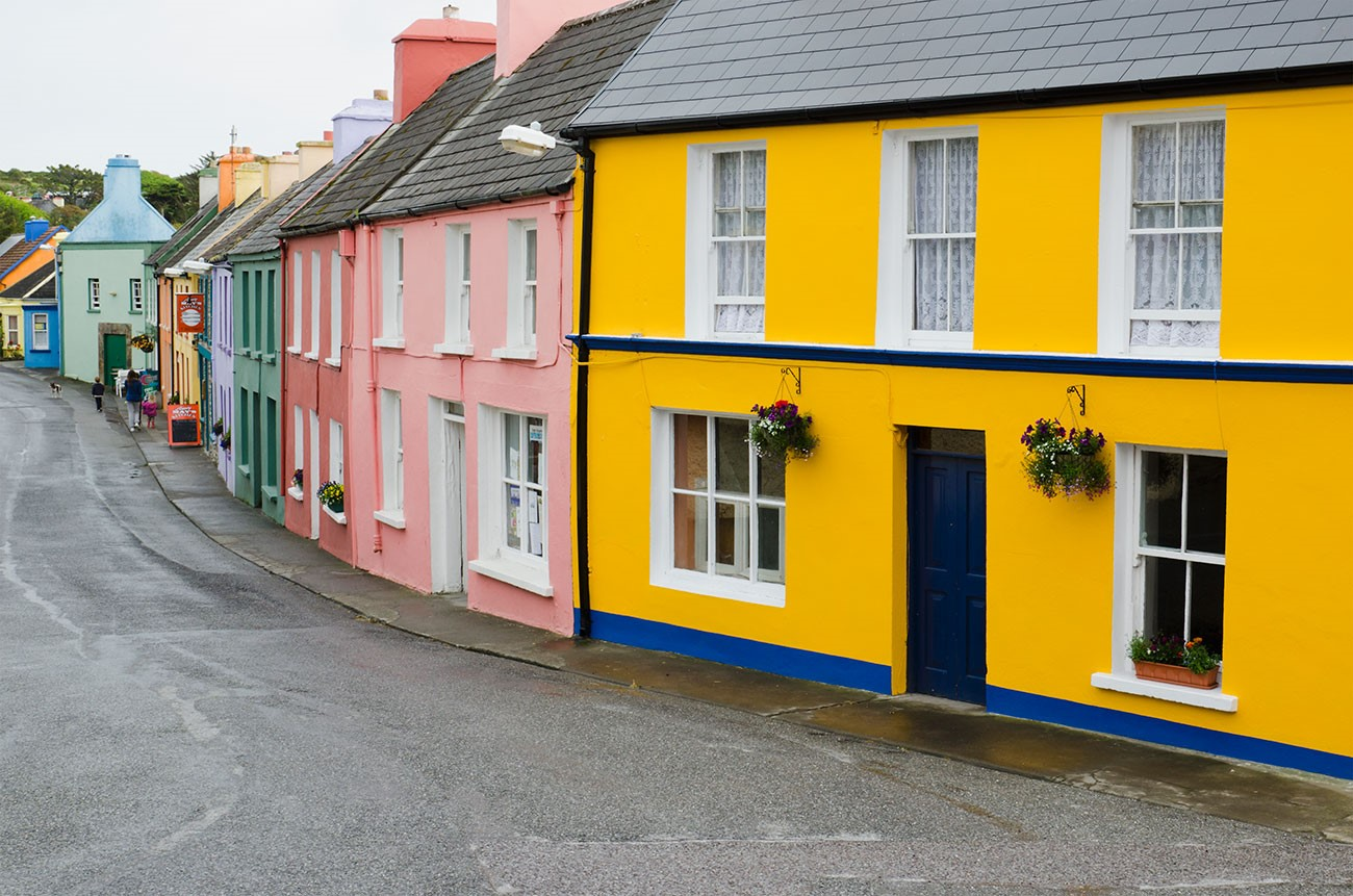 Крашенные фасады домов