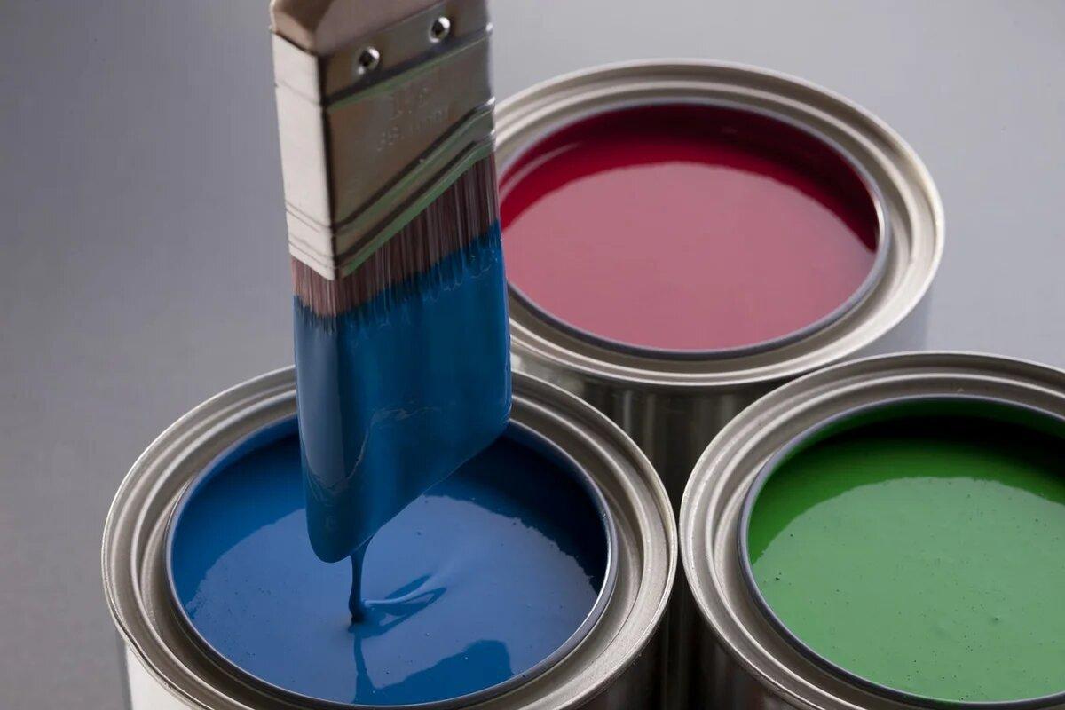 Фото краски на кисточке