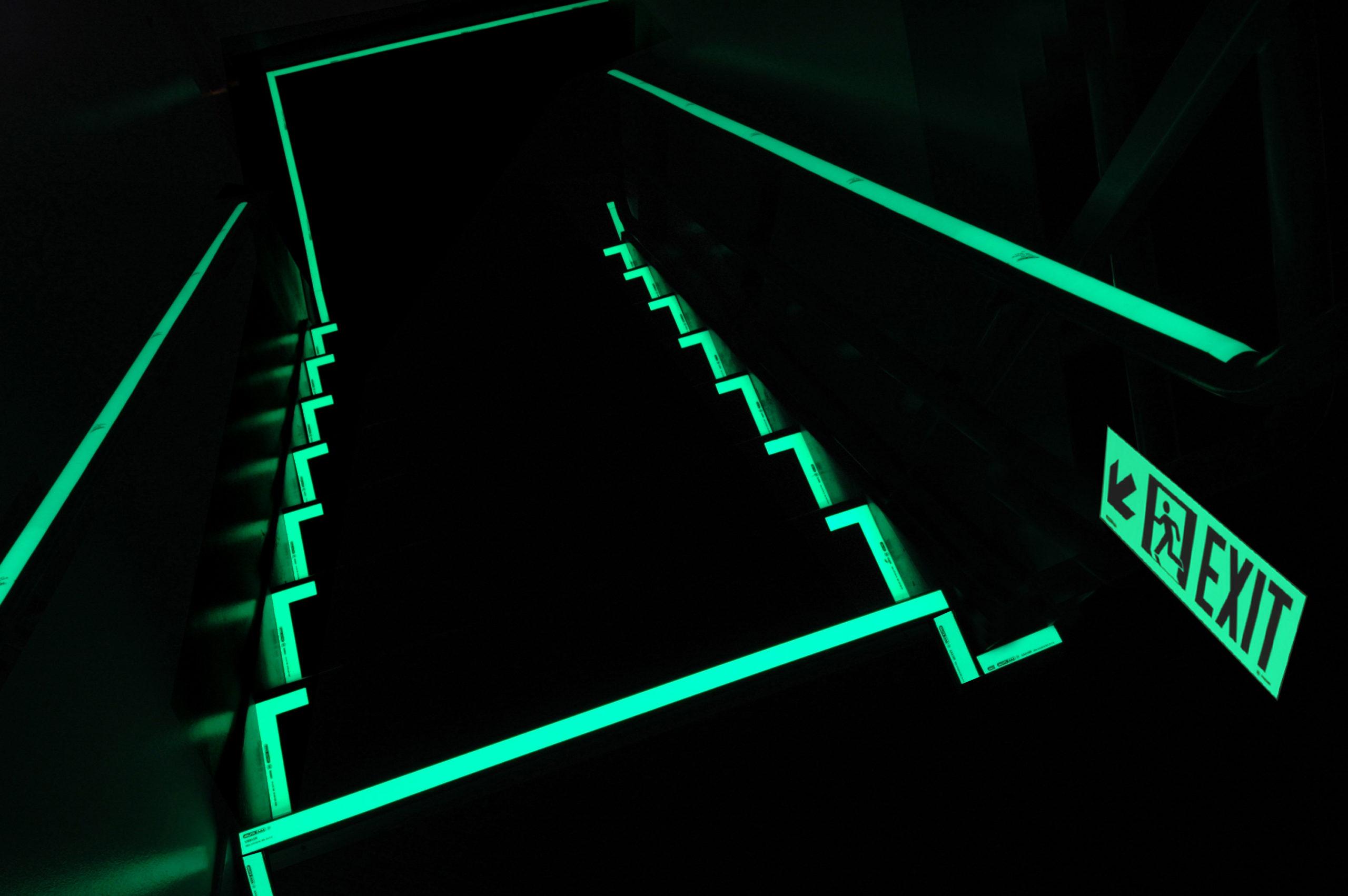 Фото светящейся лестницы
