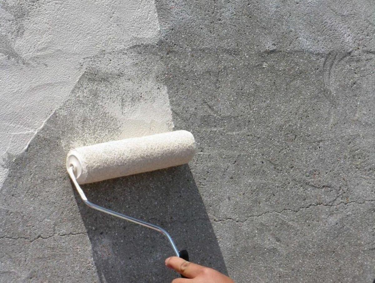 Грунтовка бетонной стены