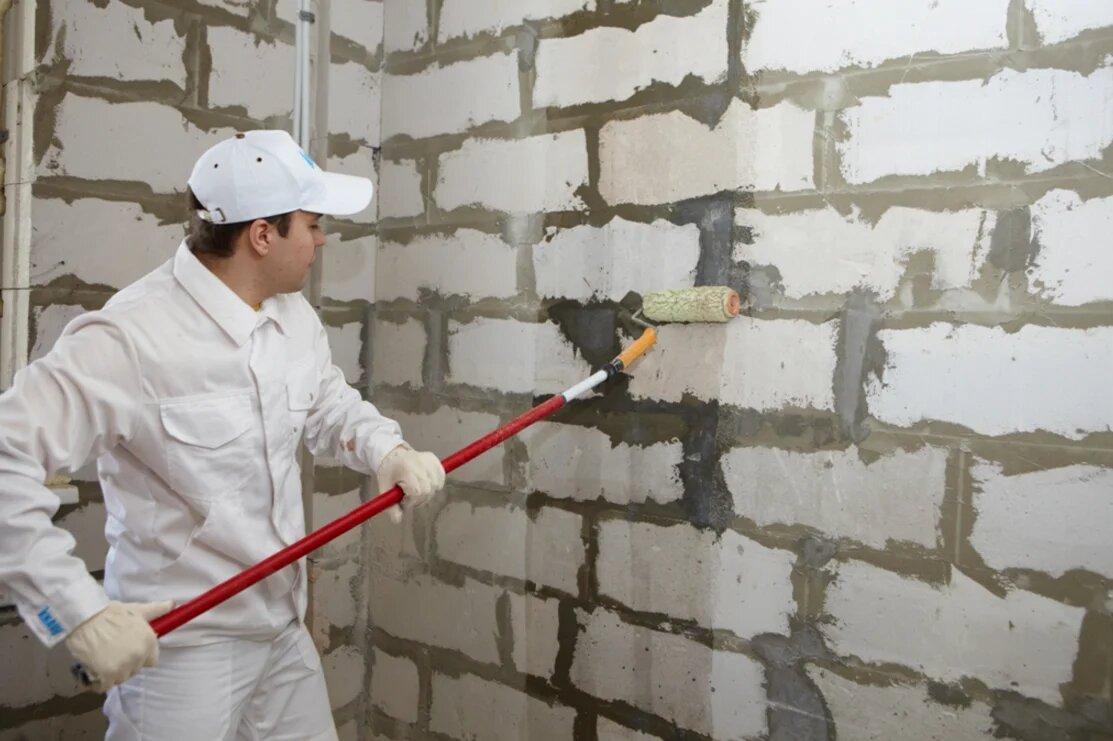 Грунтовка стены