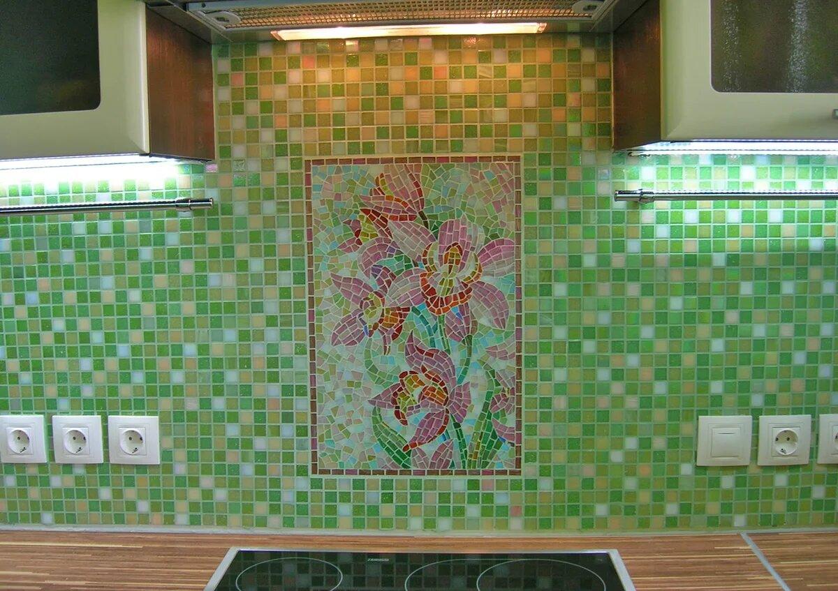 Мозаика на стене