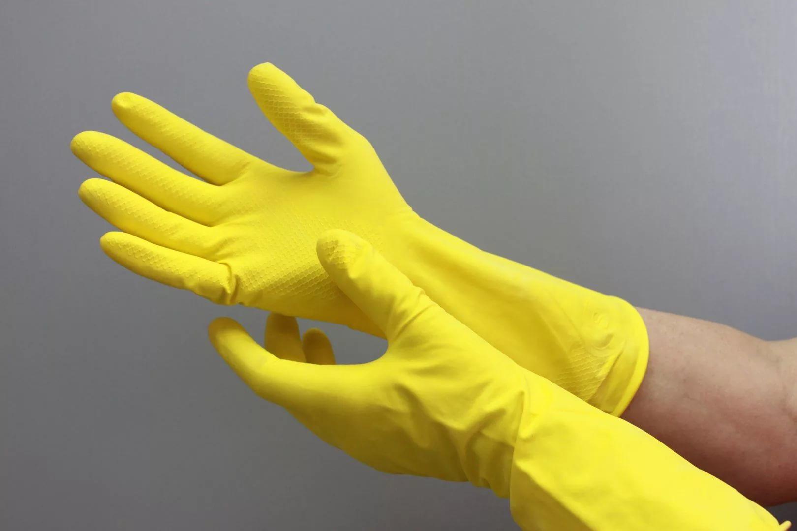 Фото рук в перчатках