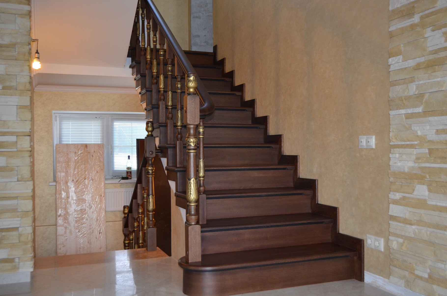 Фото лестницы деревянной