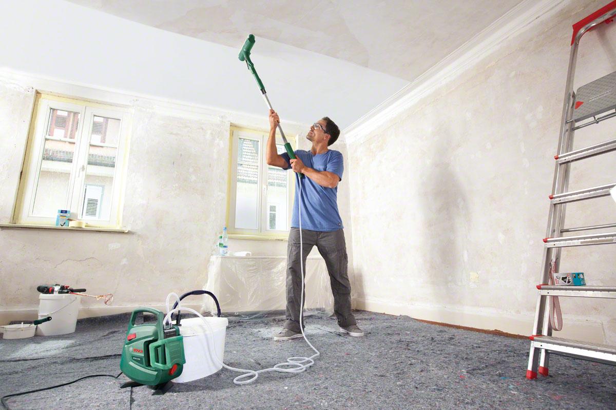 Побелка потолка пылесосом