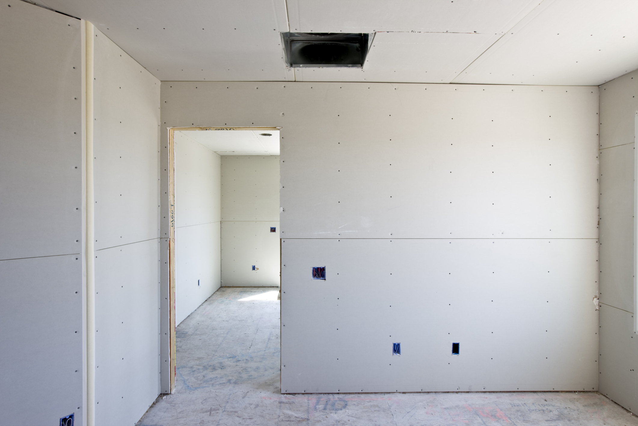 Стены с гипсокартоном