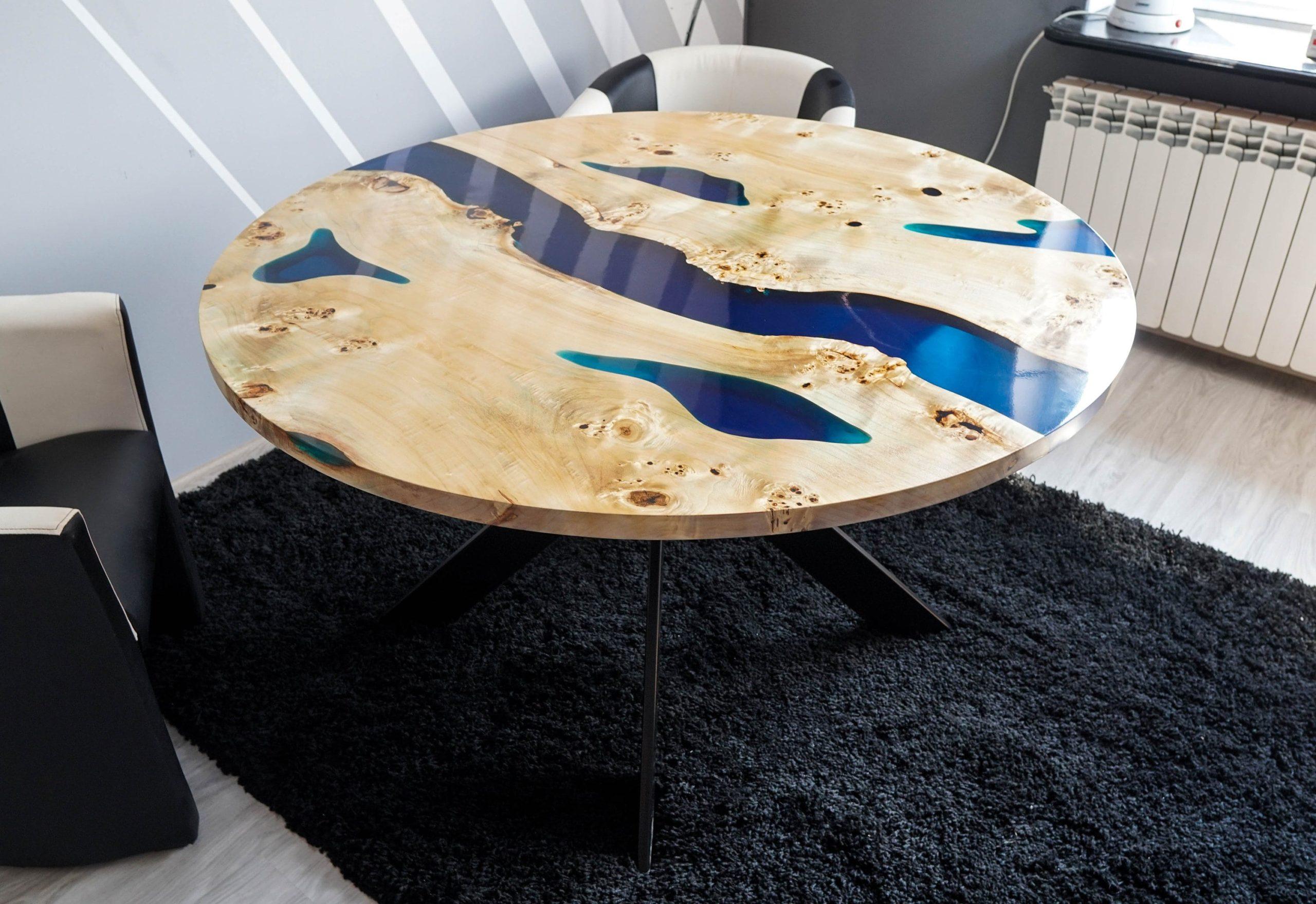 Фото стола из эпоксидки