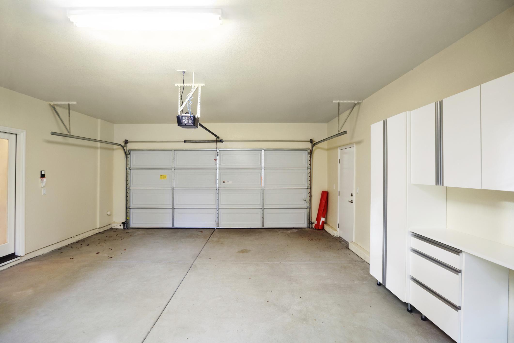 Фото светлого гаража