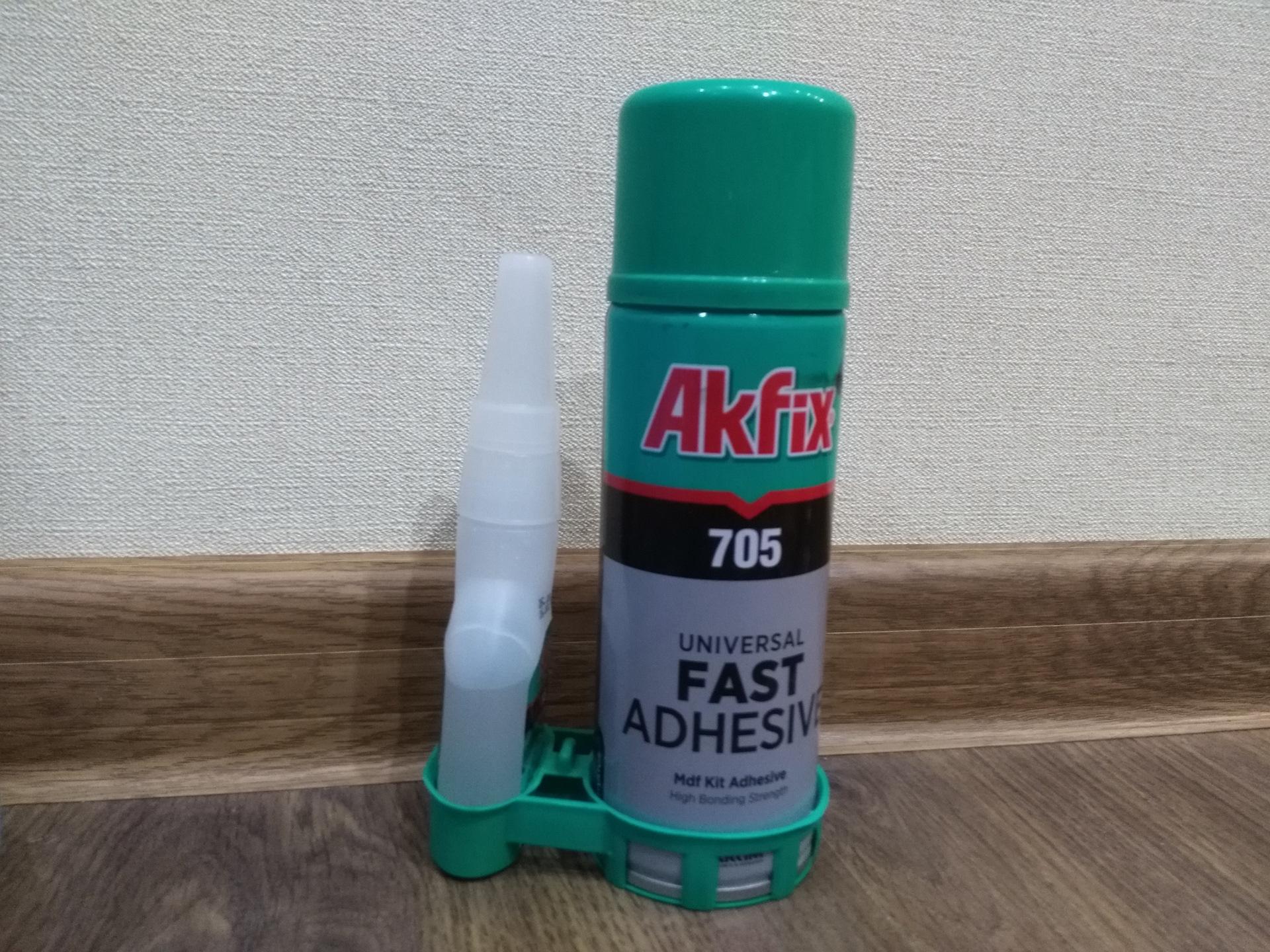 Клей Akfix на полу