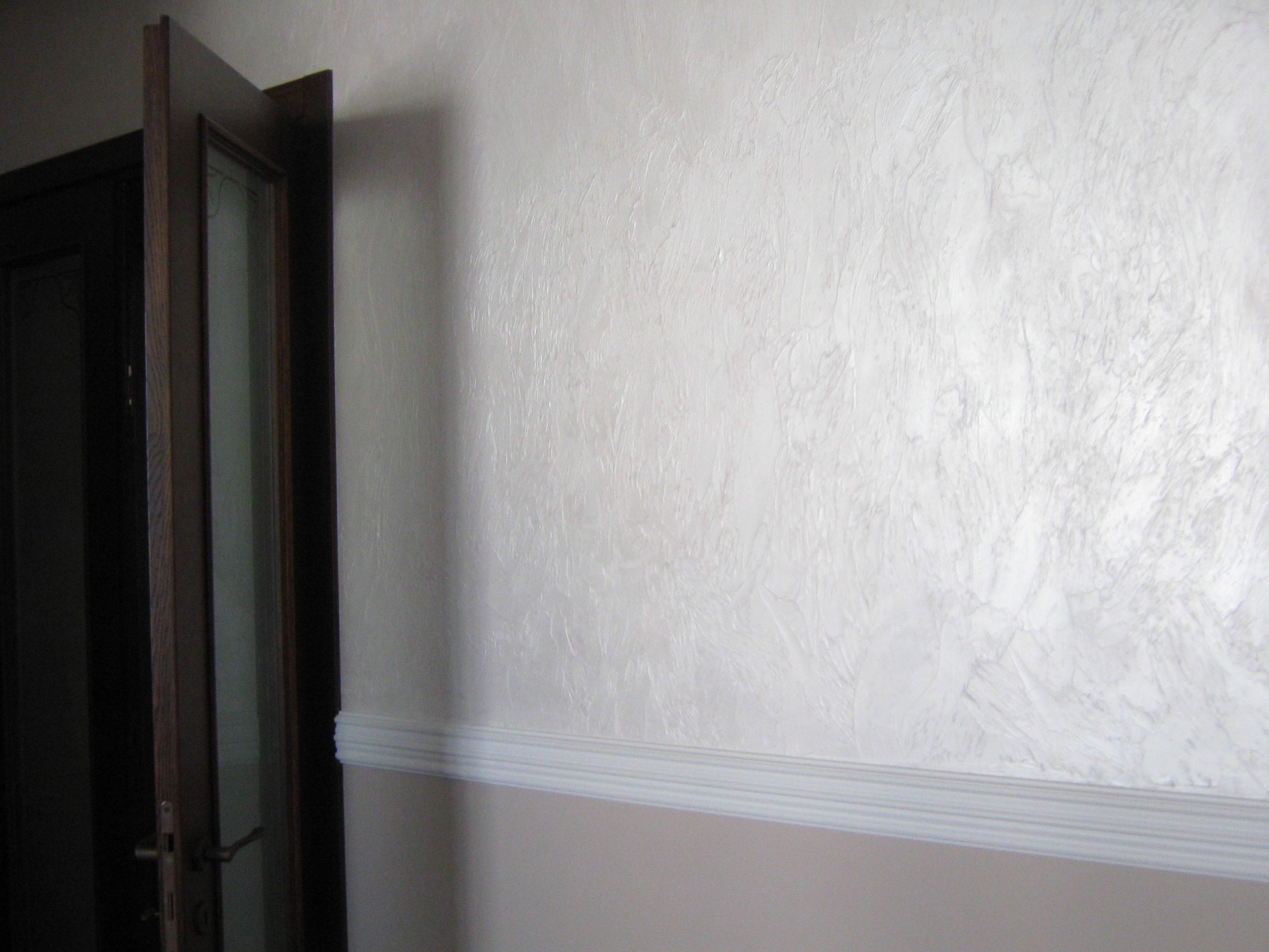 Стеклохолст на стене