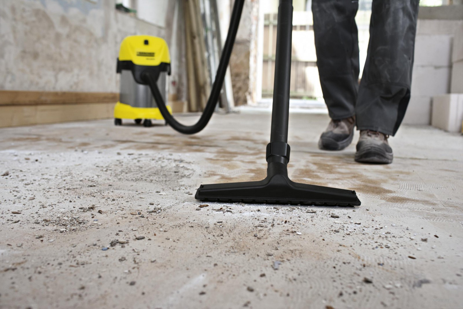 Уборка бетонного пола