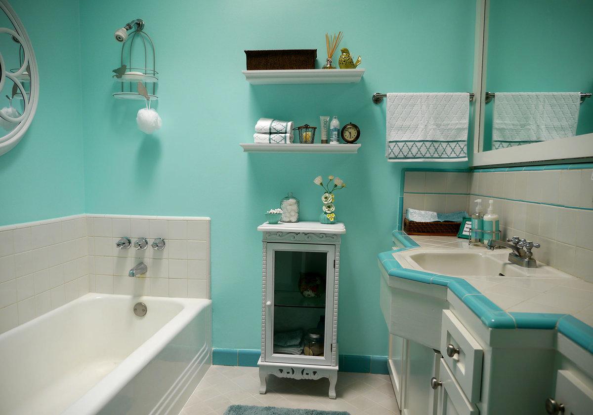 Крашенные стены в ванной