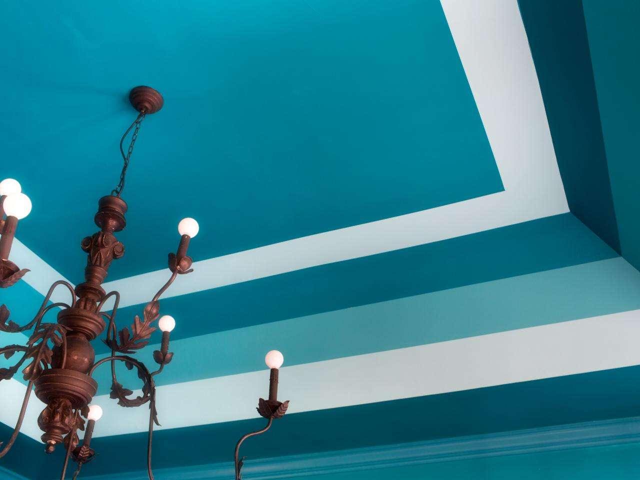 Фото крашенного потолка