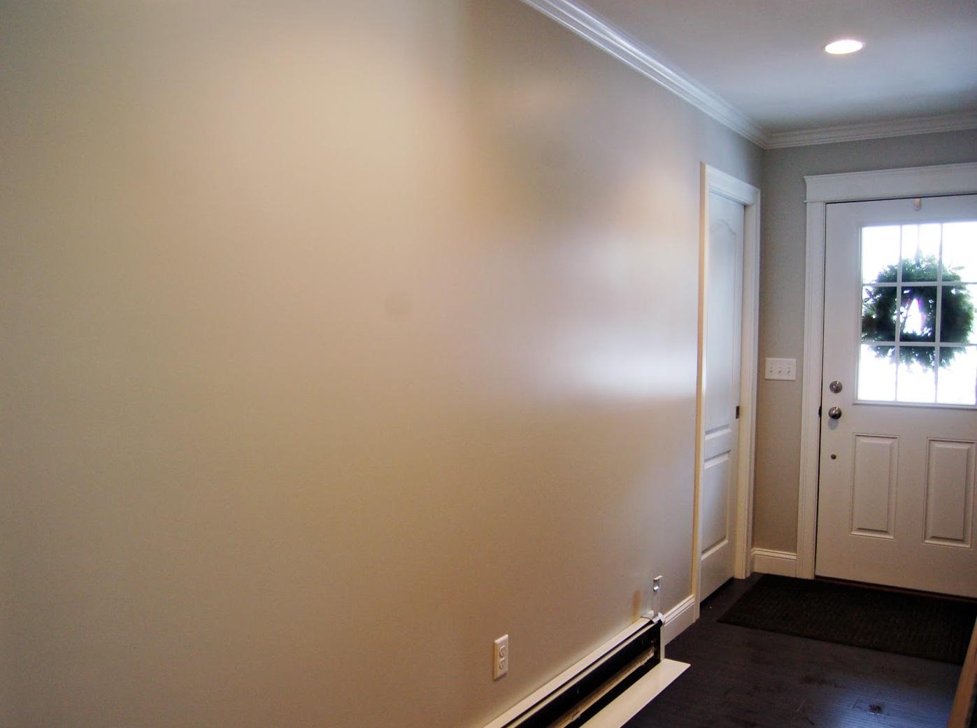 Латексная краска на стенах