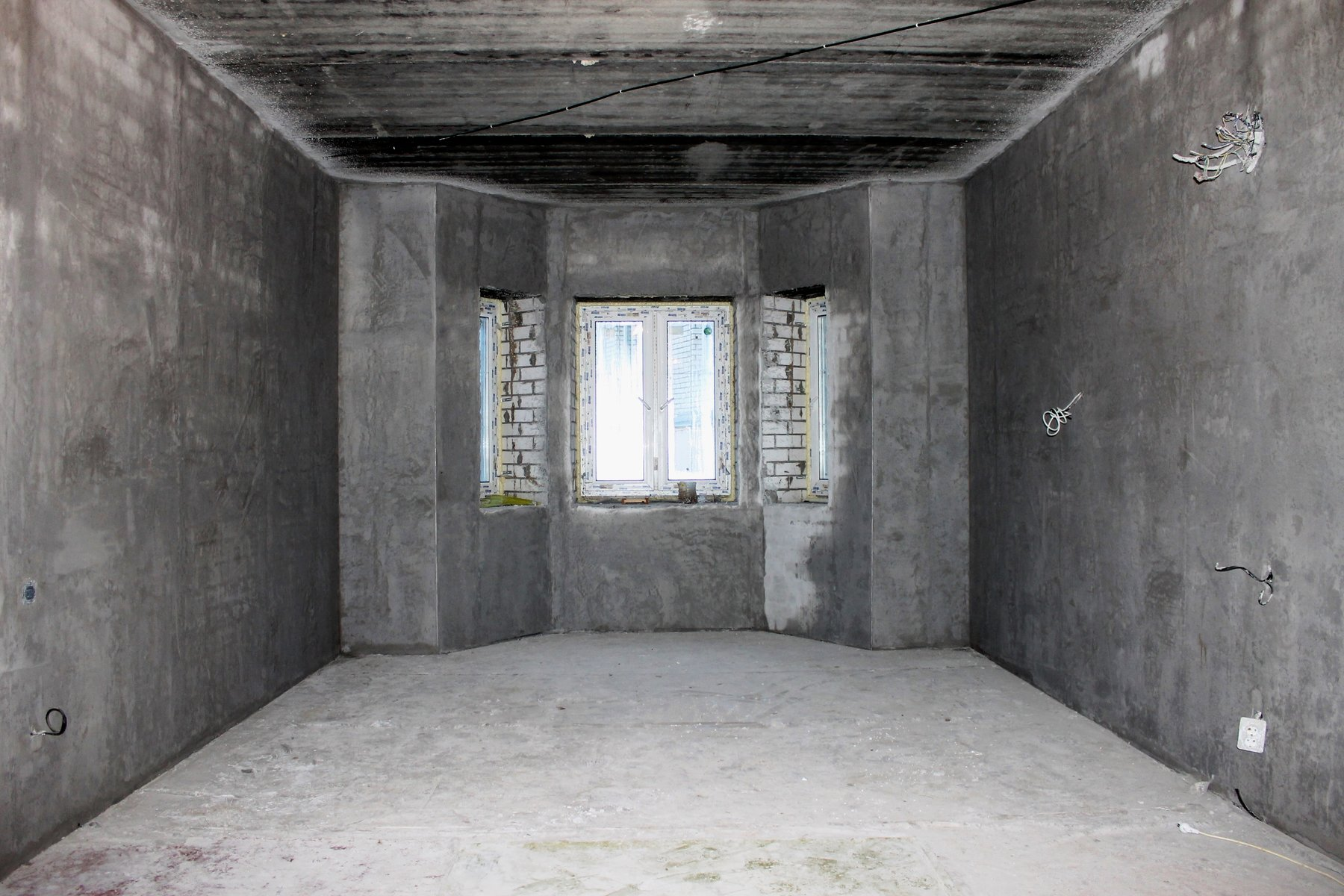 Стены без отделки