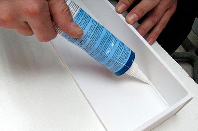 Склеивание пластмассы