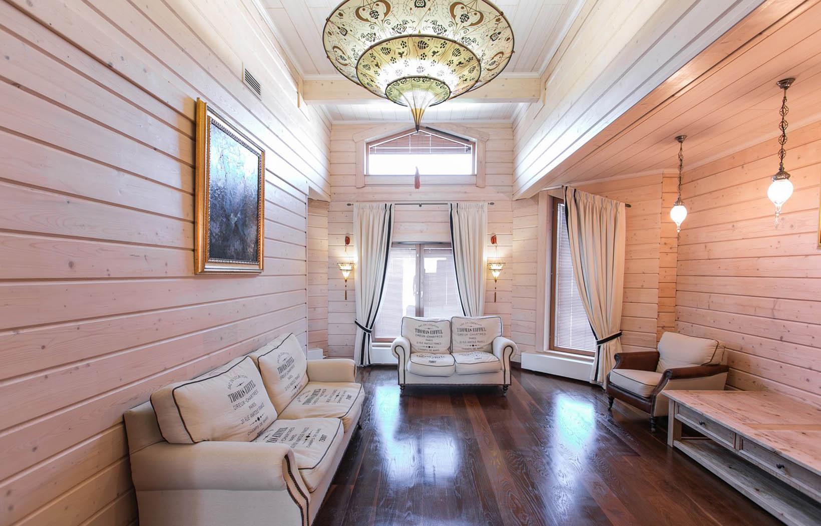 примеры покраски деревянных домов внутри фото самое