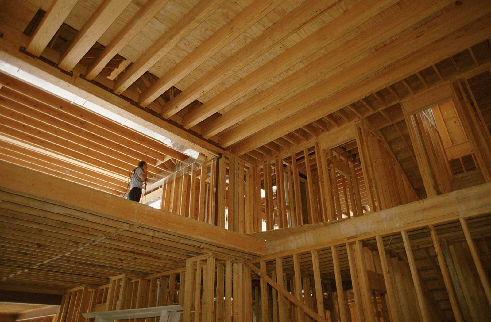 Фото деревянного дома внутри