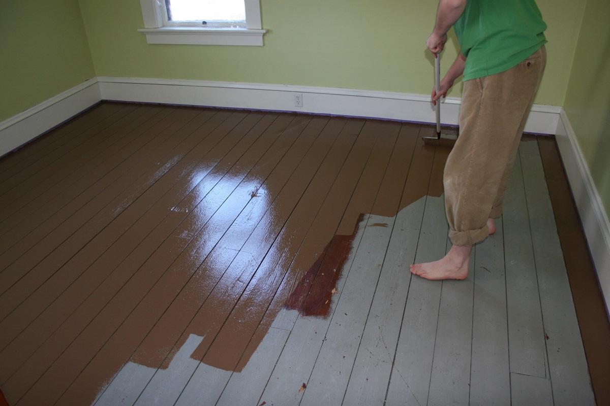 Масляная краска на полу