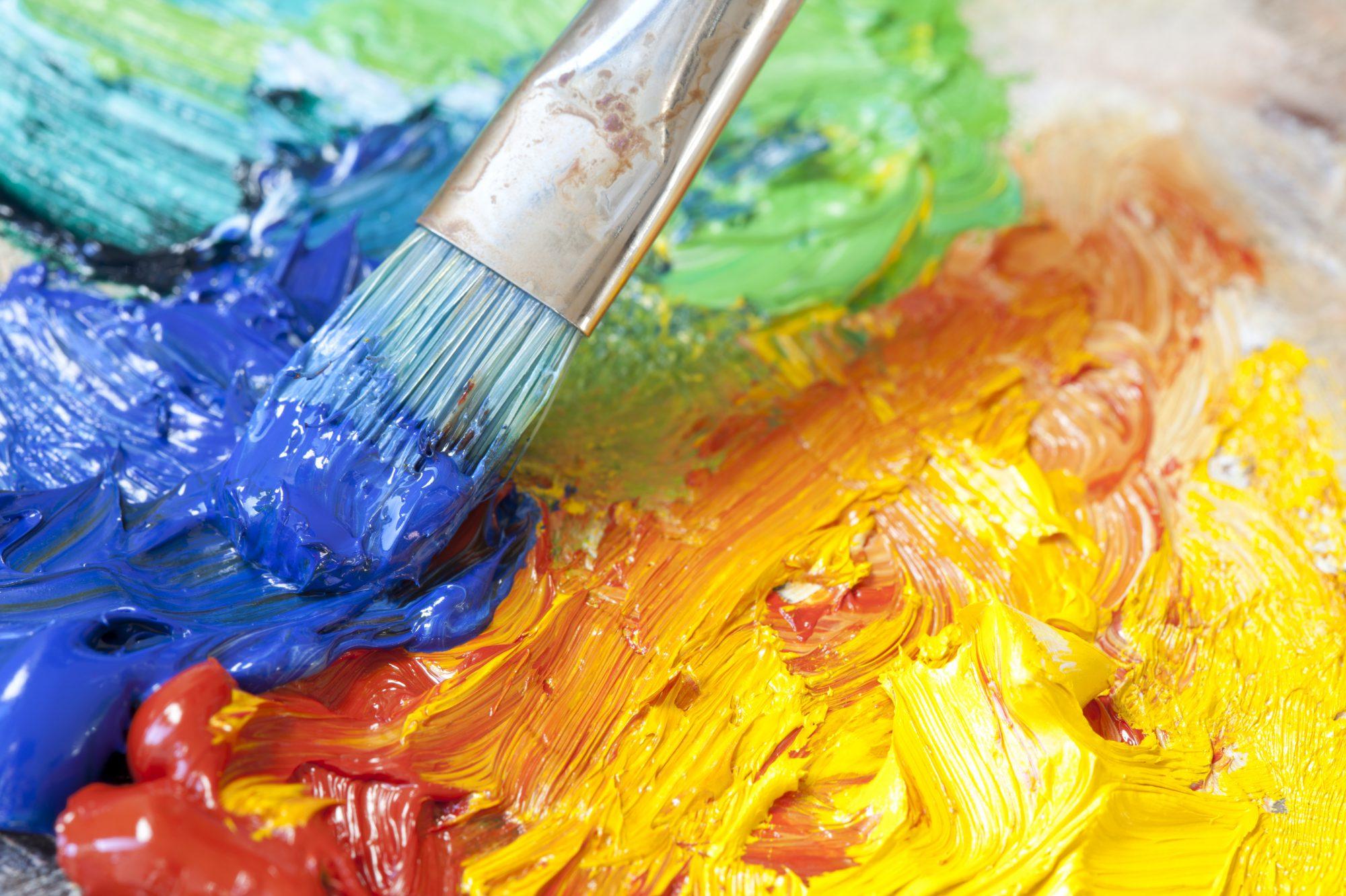 Масляные краски с кистью