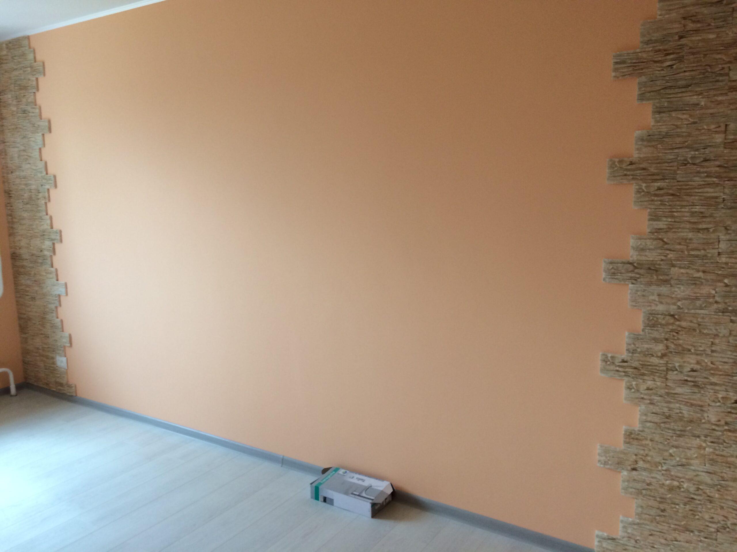 Водоэмульсионная краска на стенах