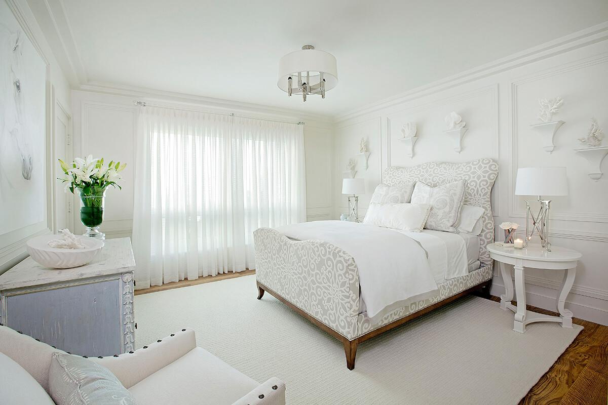 Белая краска в спальне