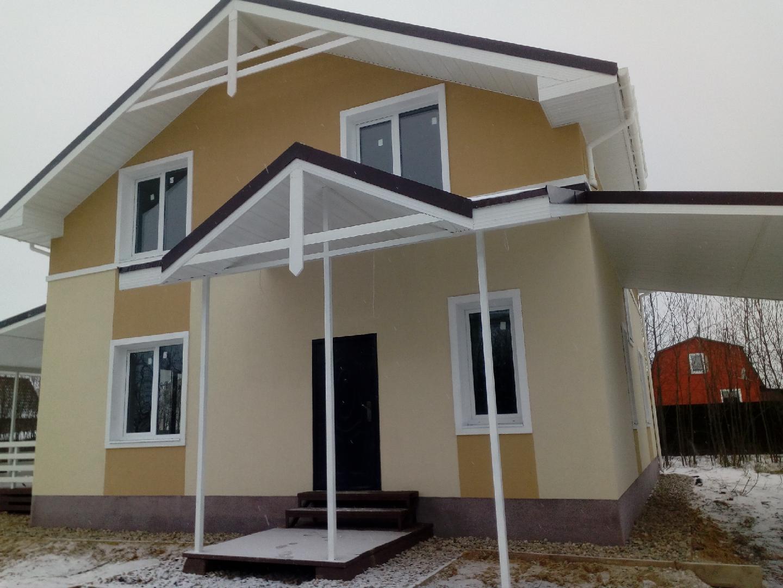 Фасад дома в два цвета