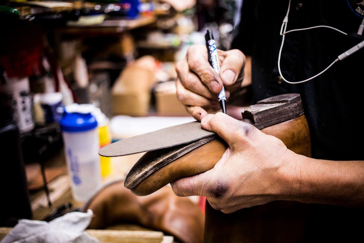 Горячая склейка обуви