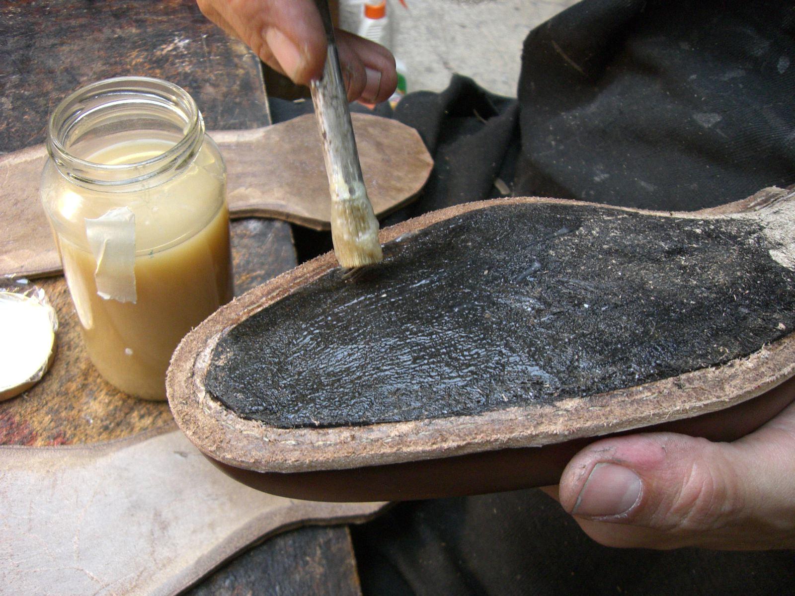 Склейка обуви