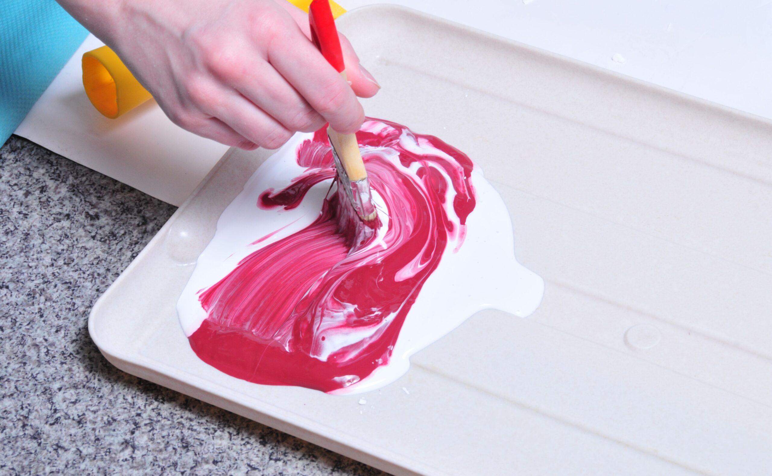 Смешение краски с колером