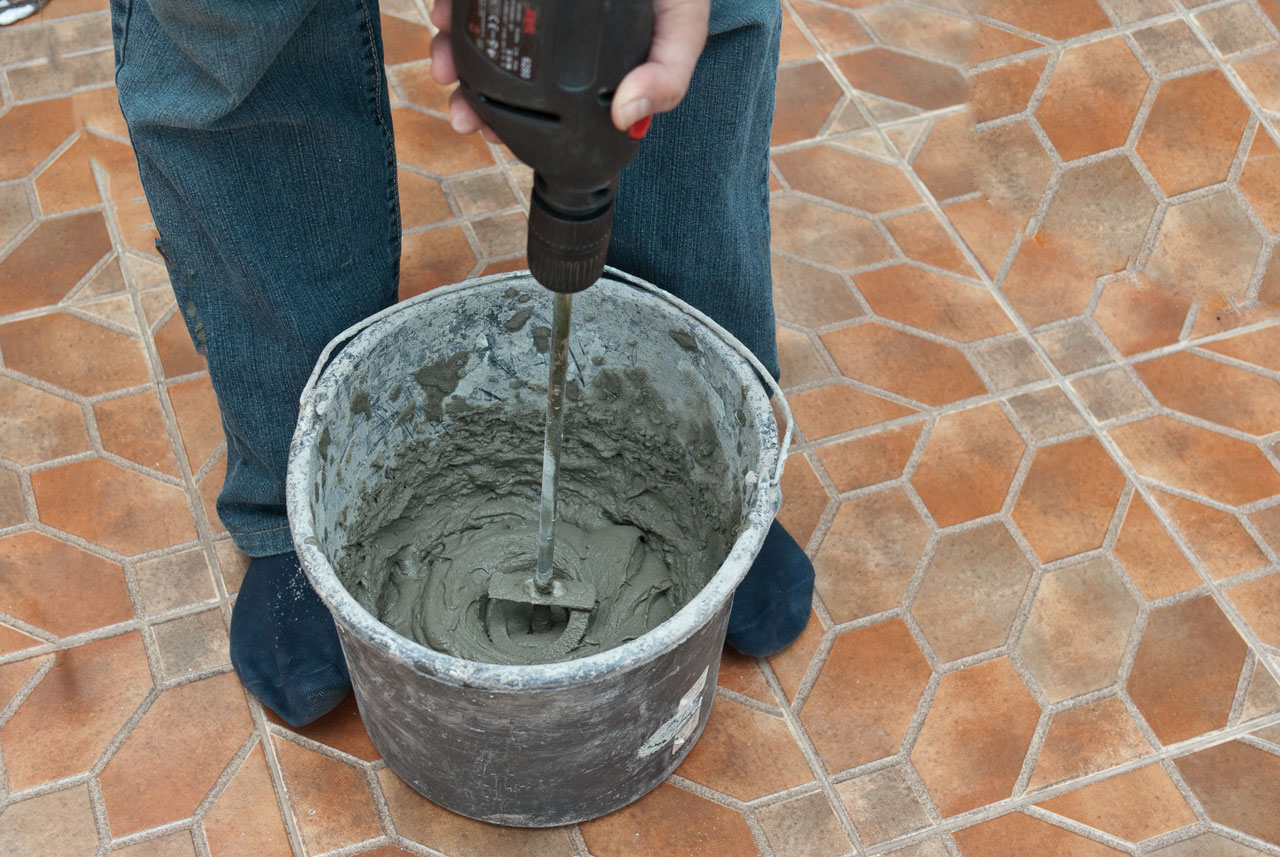Цементный плиточный клей