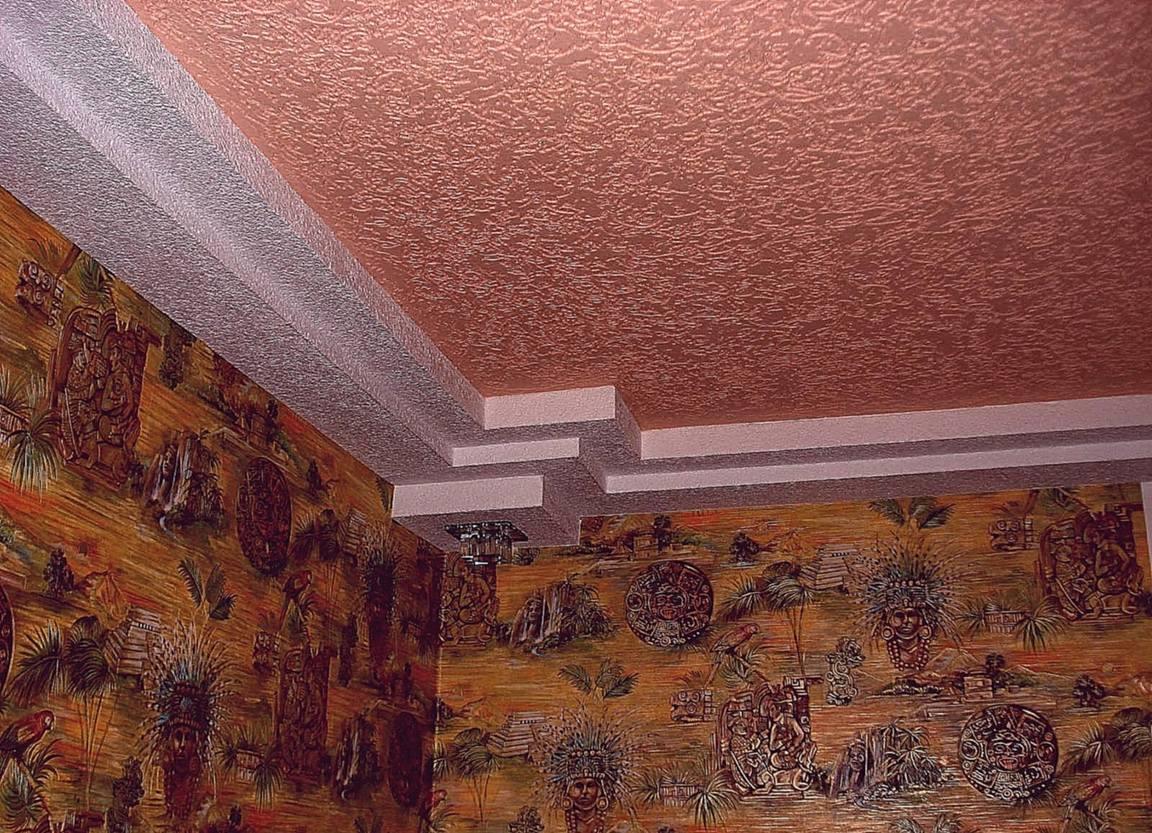 Фактурная штукатурка на потолке