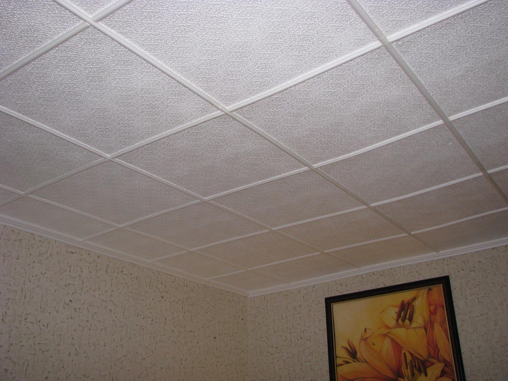 Фото плитки на потолке