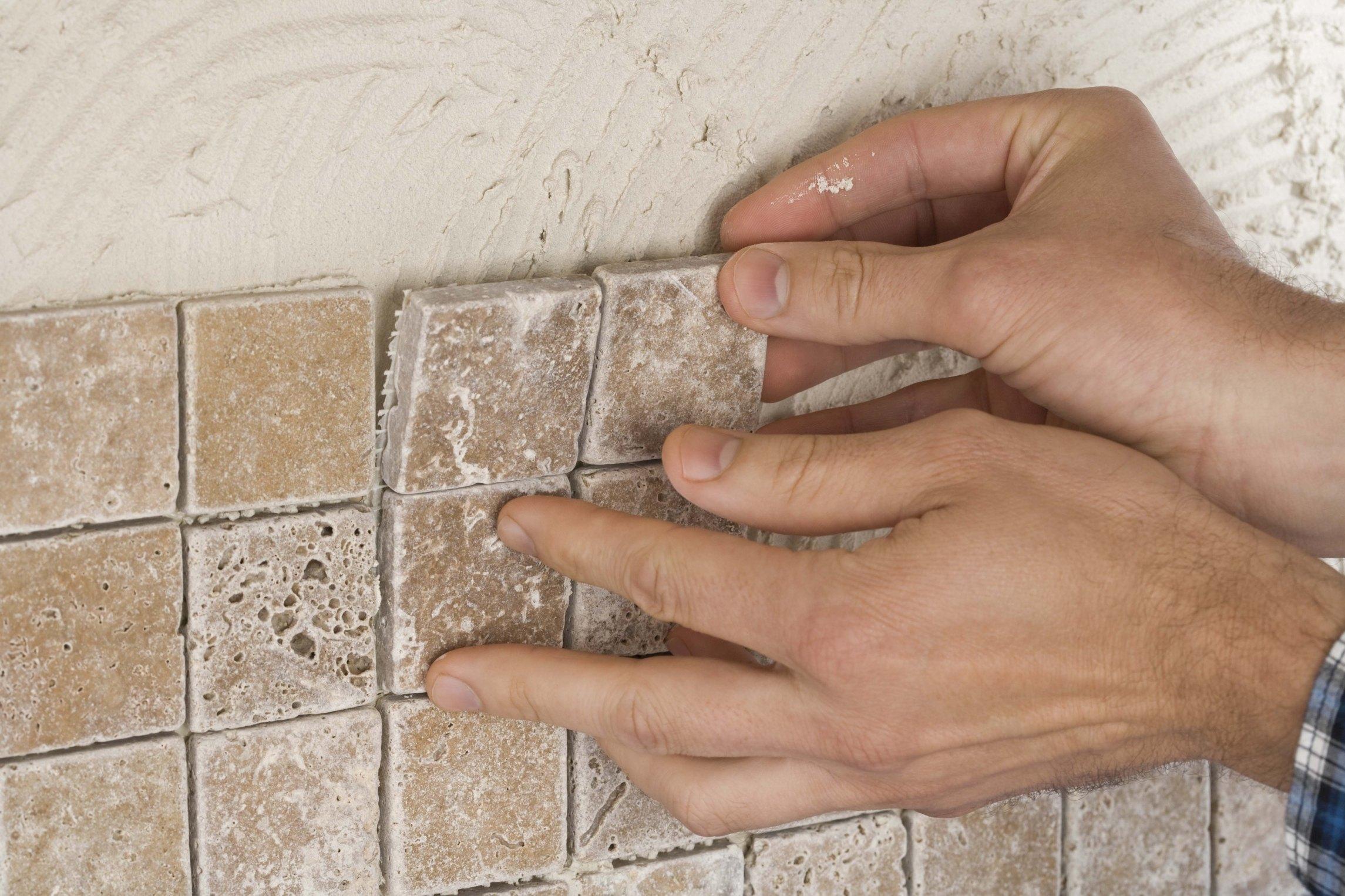 Поклейка мозаичной плитки