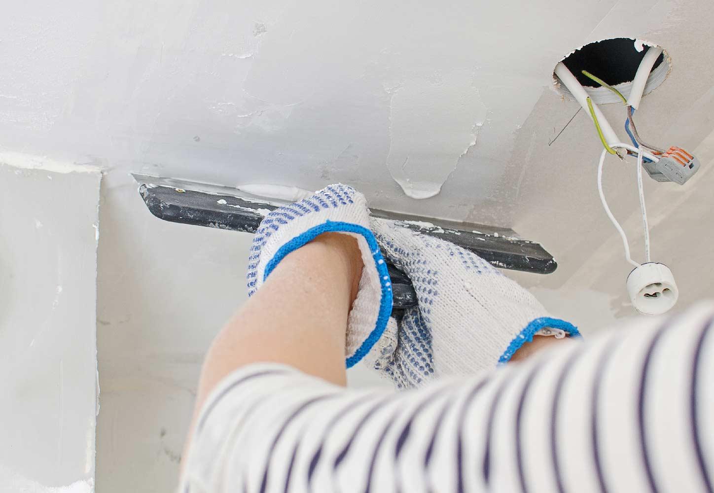 Шпаклевка потолка в ванной
