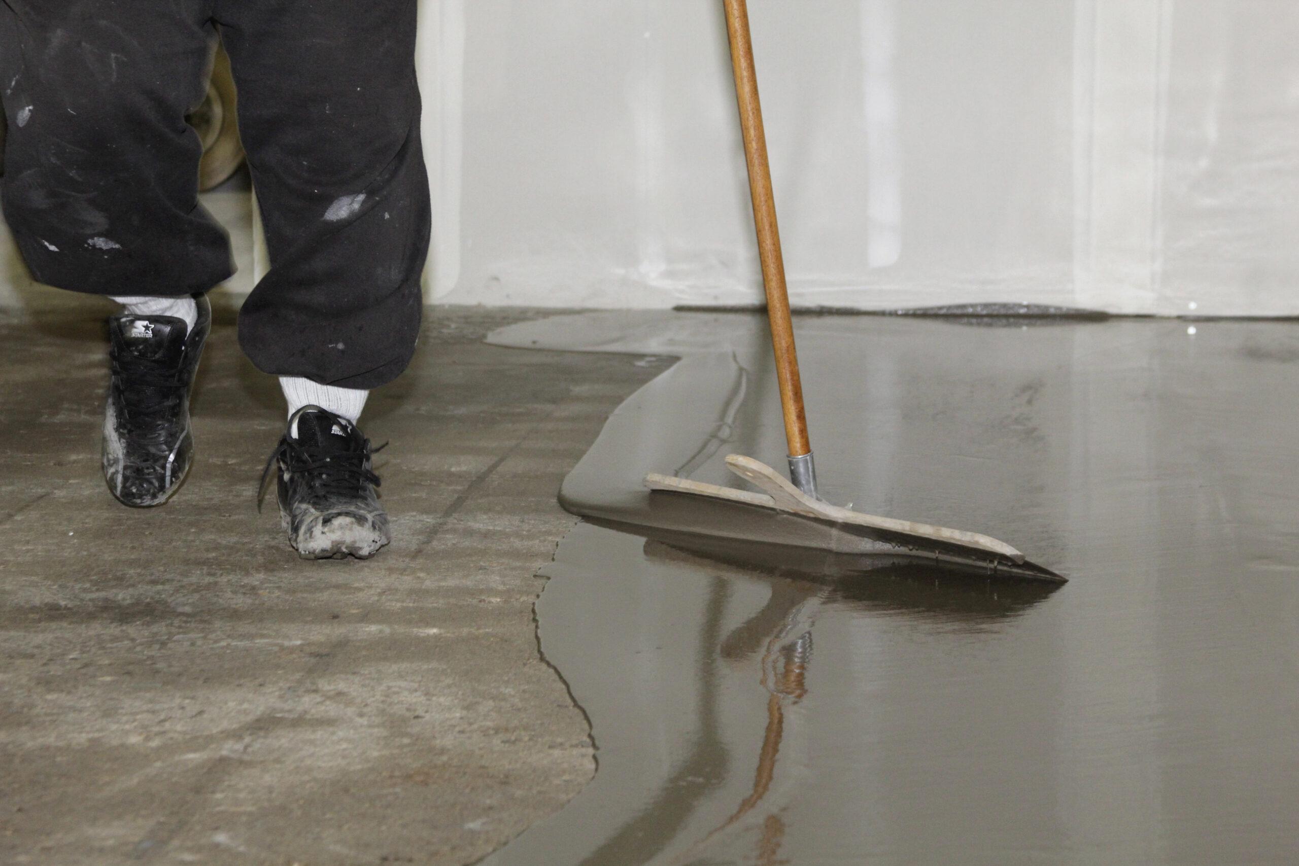 Заливка пола на бетон