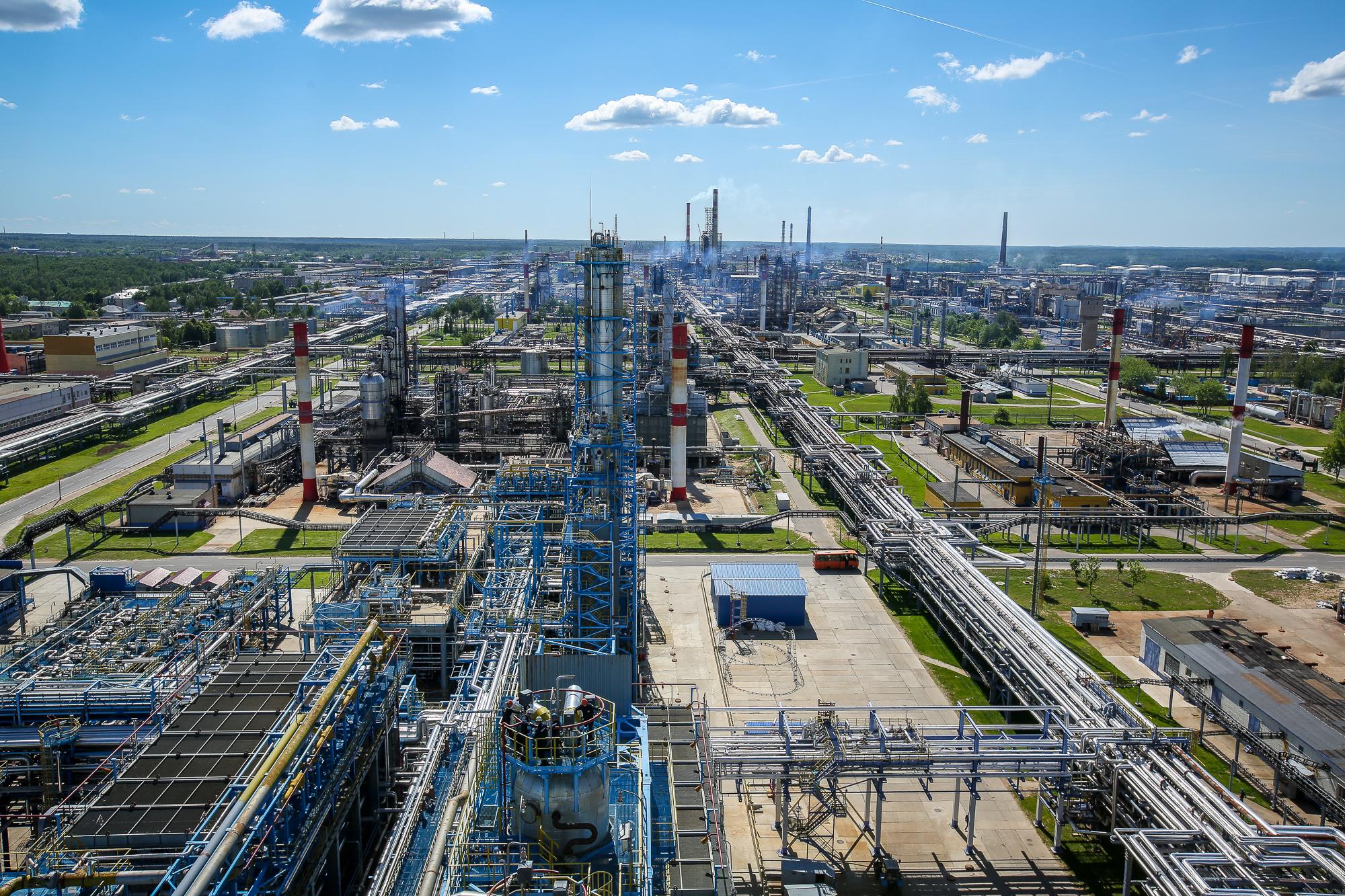 Фото завода Нафтан