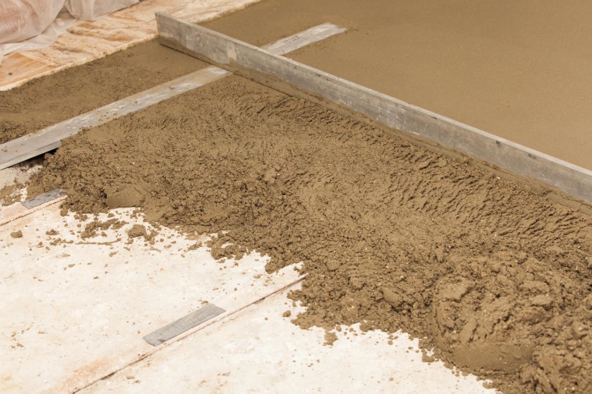 Стяжка песком