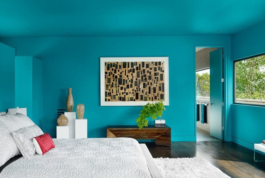 Крашенные стены в спальне