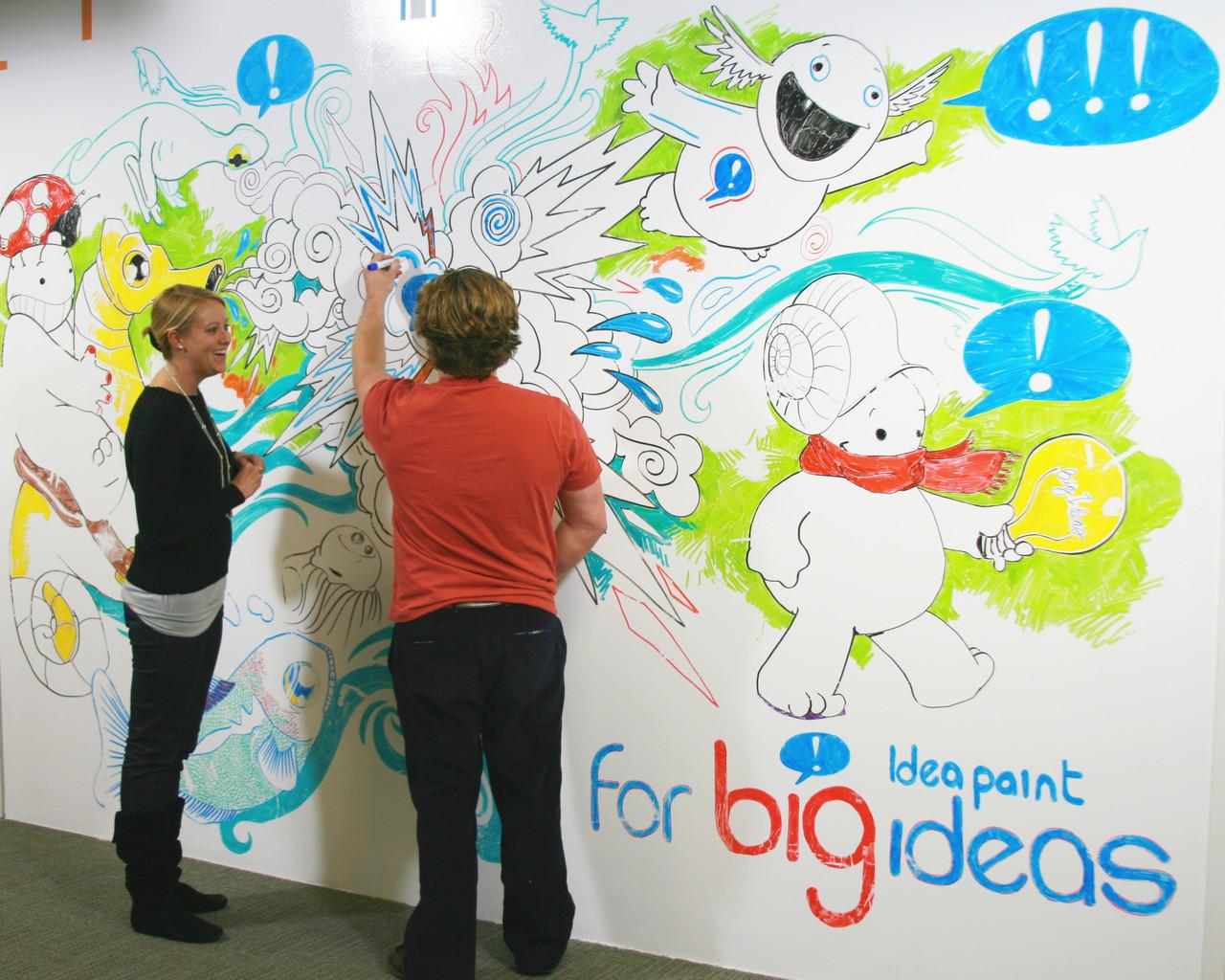 Краска Idea Paint на стене