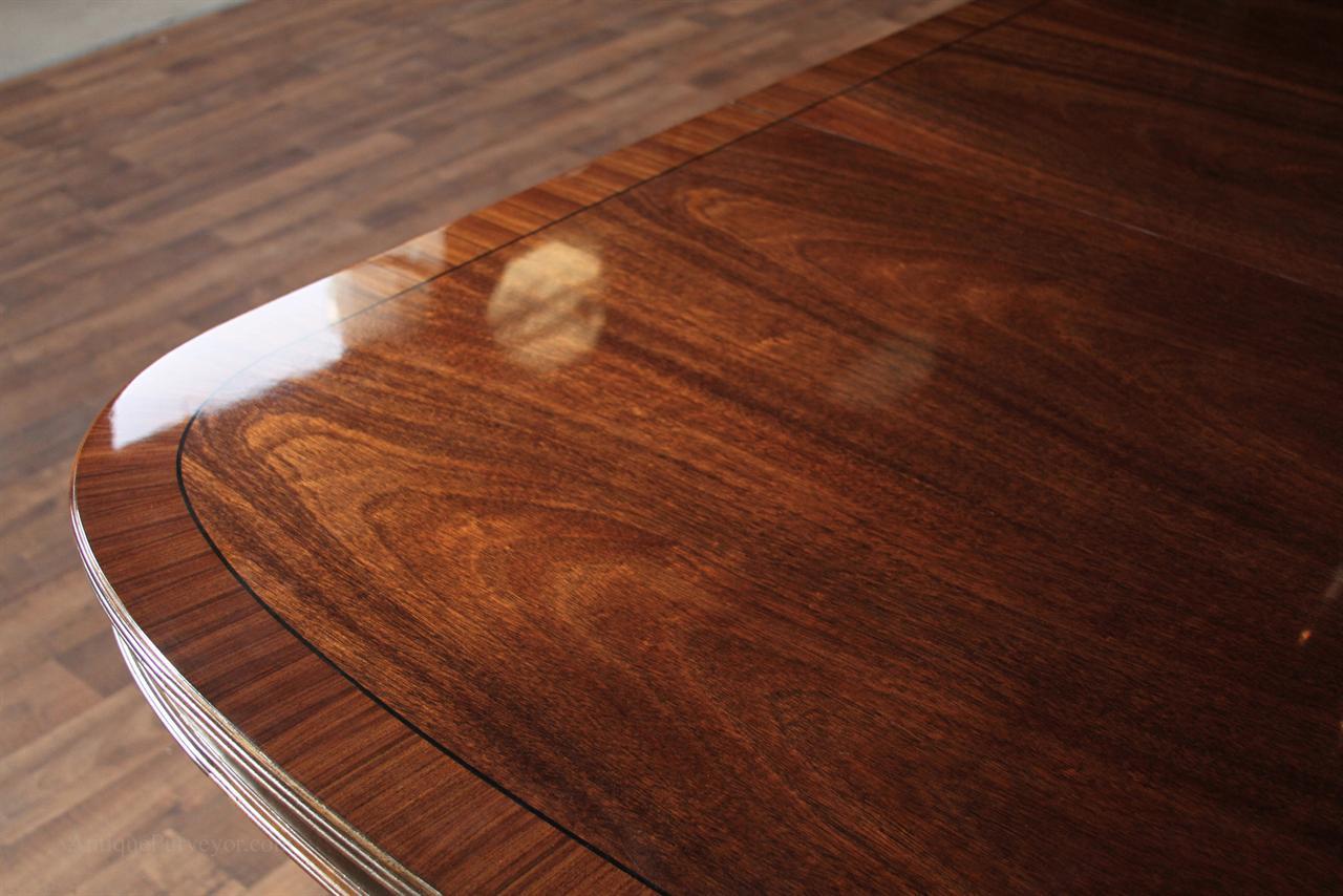 Фото лакированного стола