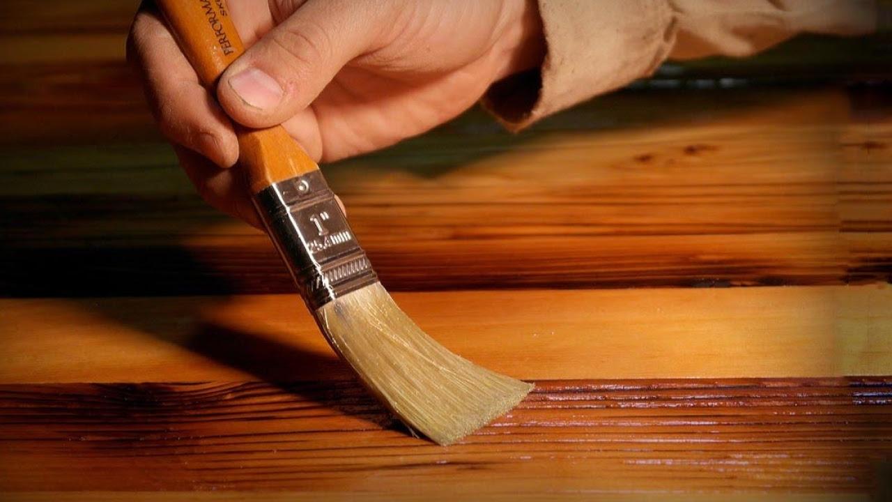 Обработка дерева лаком