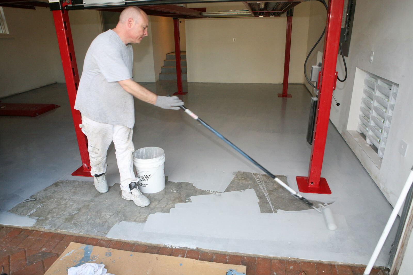 Покраска пола из бетона
