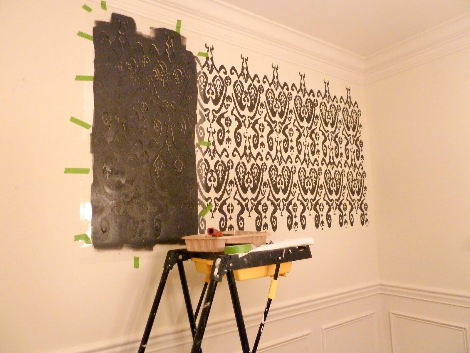 Фото трафарета на стене