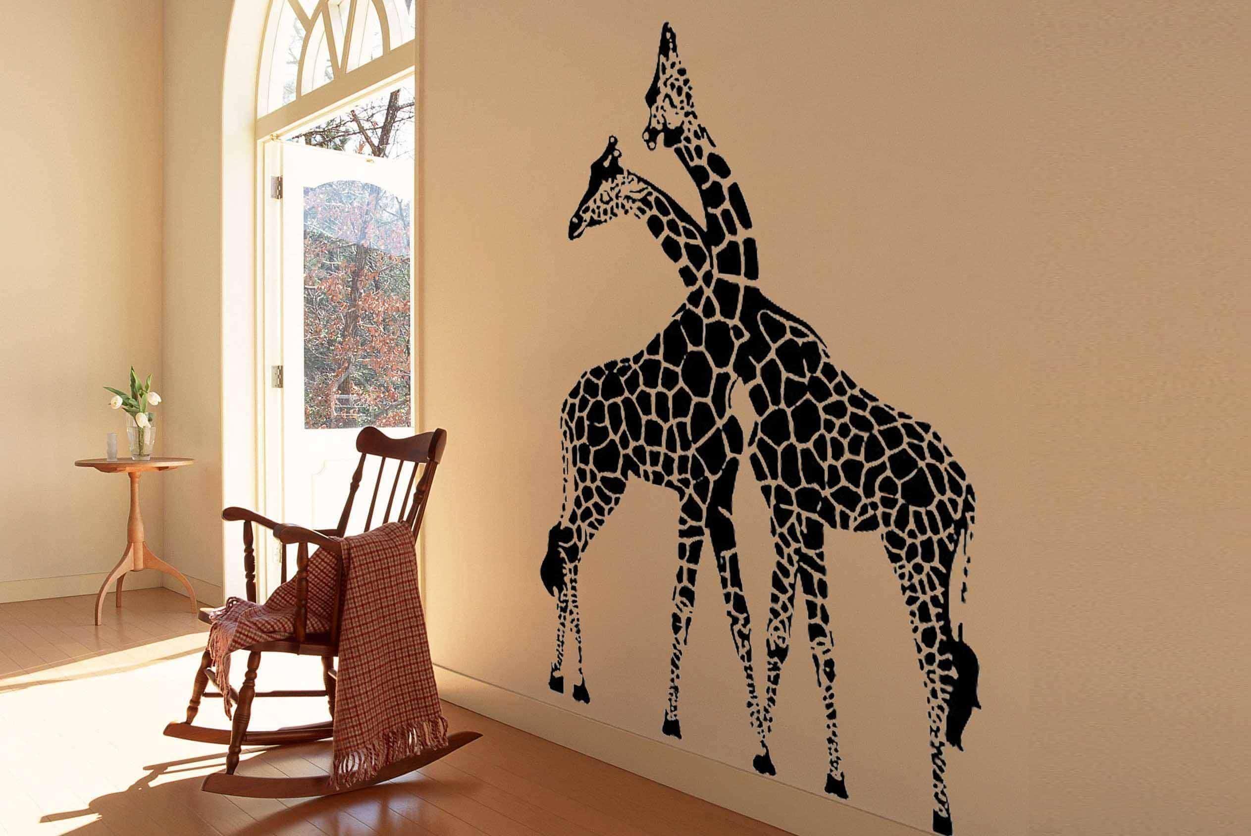 Фото жирафов на стене