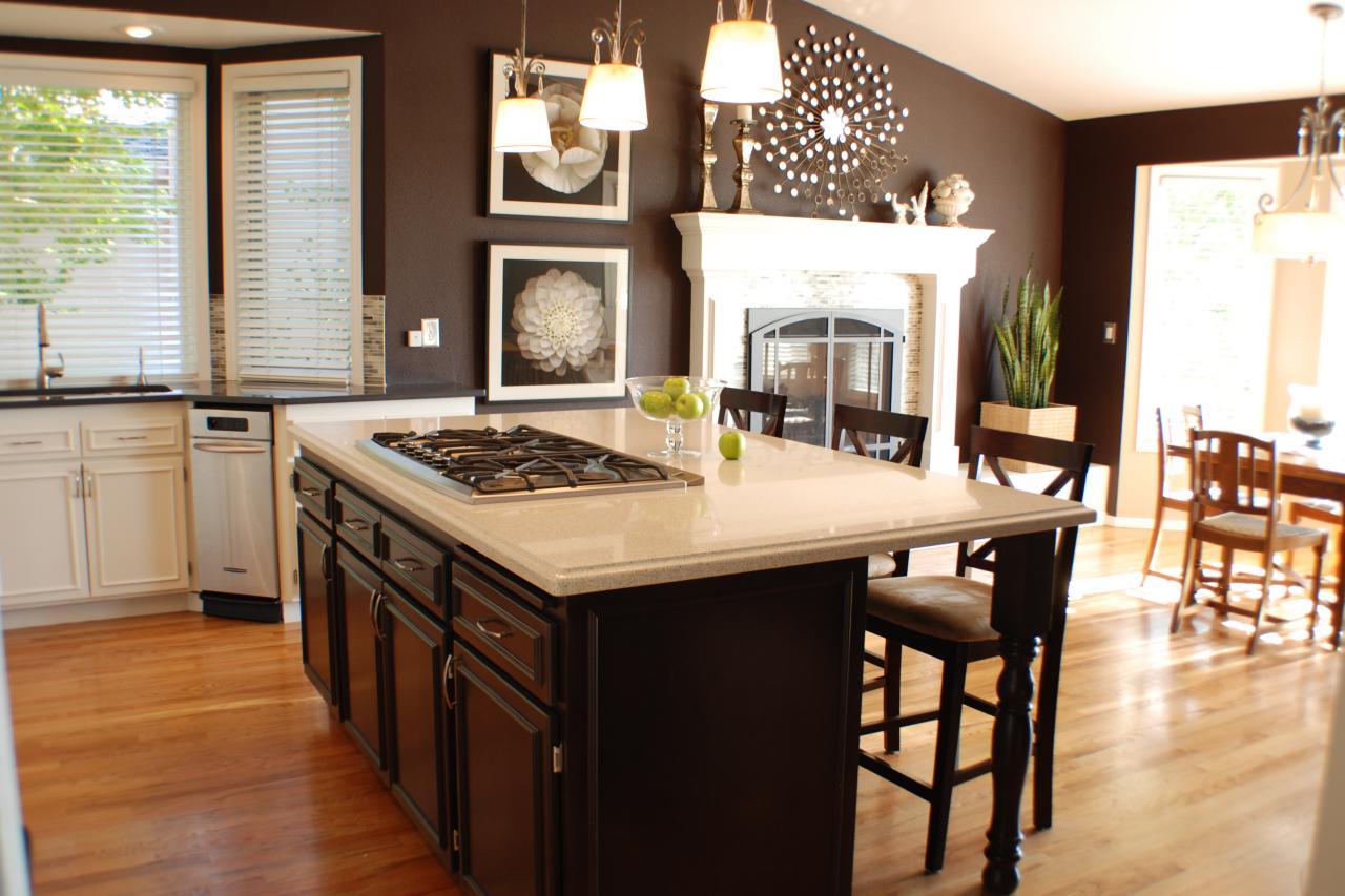 Шоколадные стены на кухне