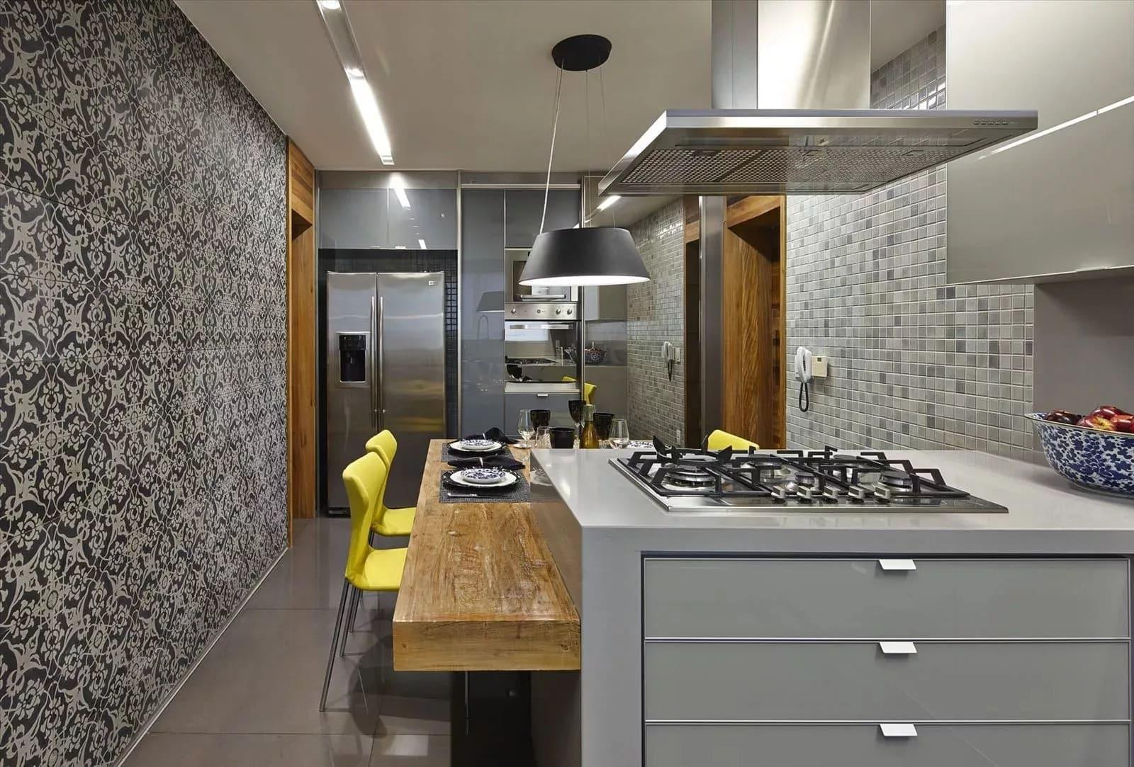 Фото серых обоев на кухне