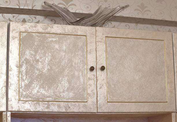 Перламутровый шкафчик